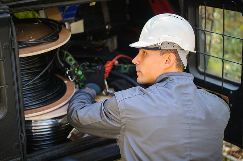fiber optics technician
